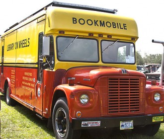 picture of a bookmobile
