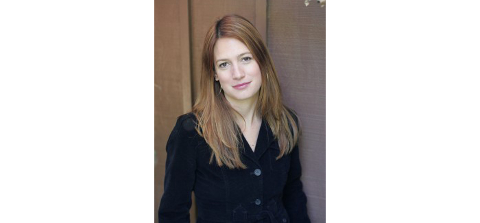 picture of gillian flynn
