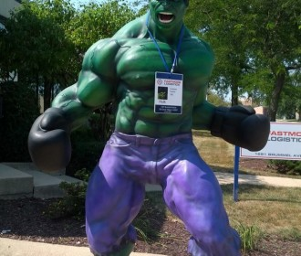 hulk statue at Northlake Library